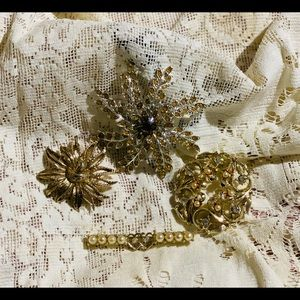 Beautiful Vintage Sarah Coventry set